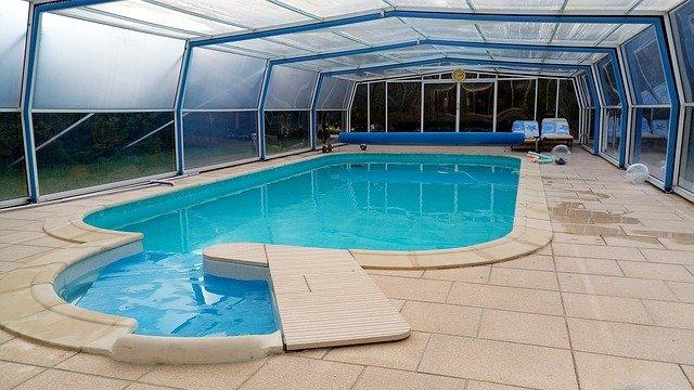 zazimovaný bazén