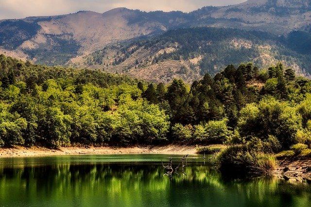 jezero v Řecku