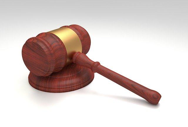 soudní kladivo