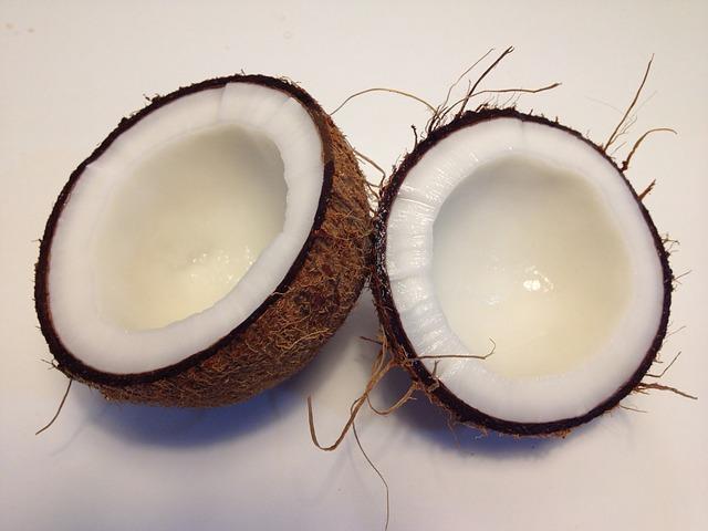 dvě půlky kokosu